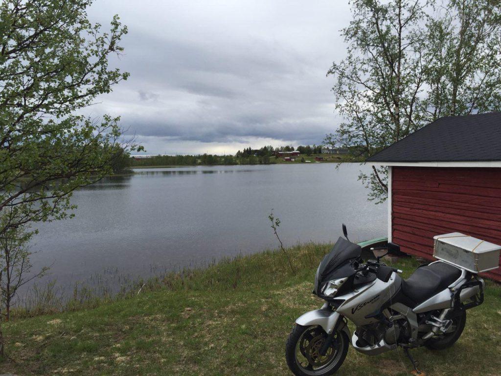 Unsere Hütte am See in Lappland